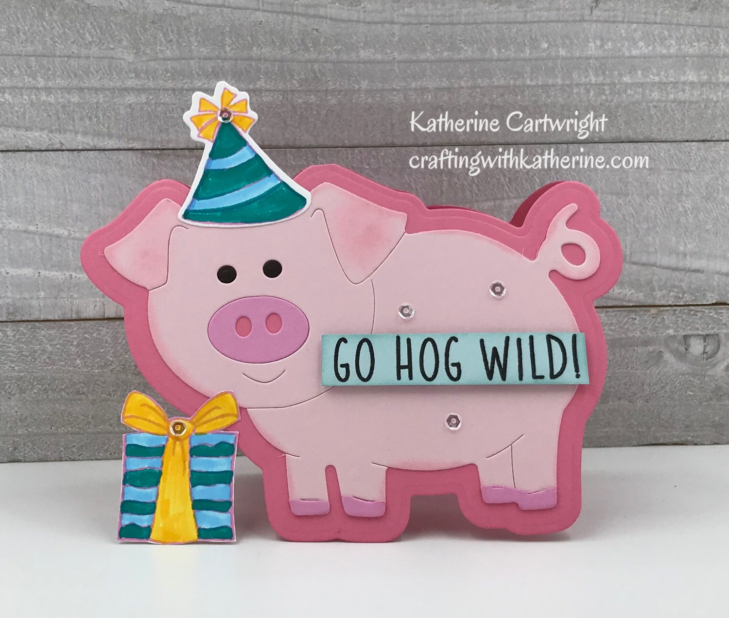 Handmade Cards: Piggie Fold It and Fence Die